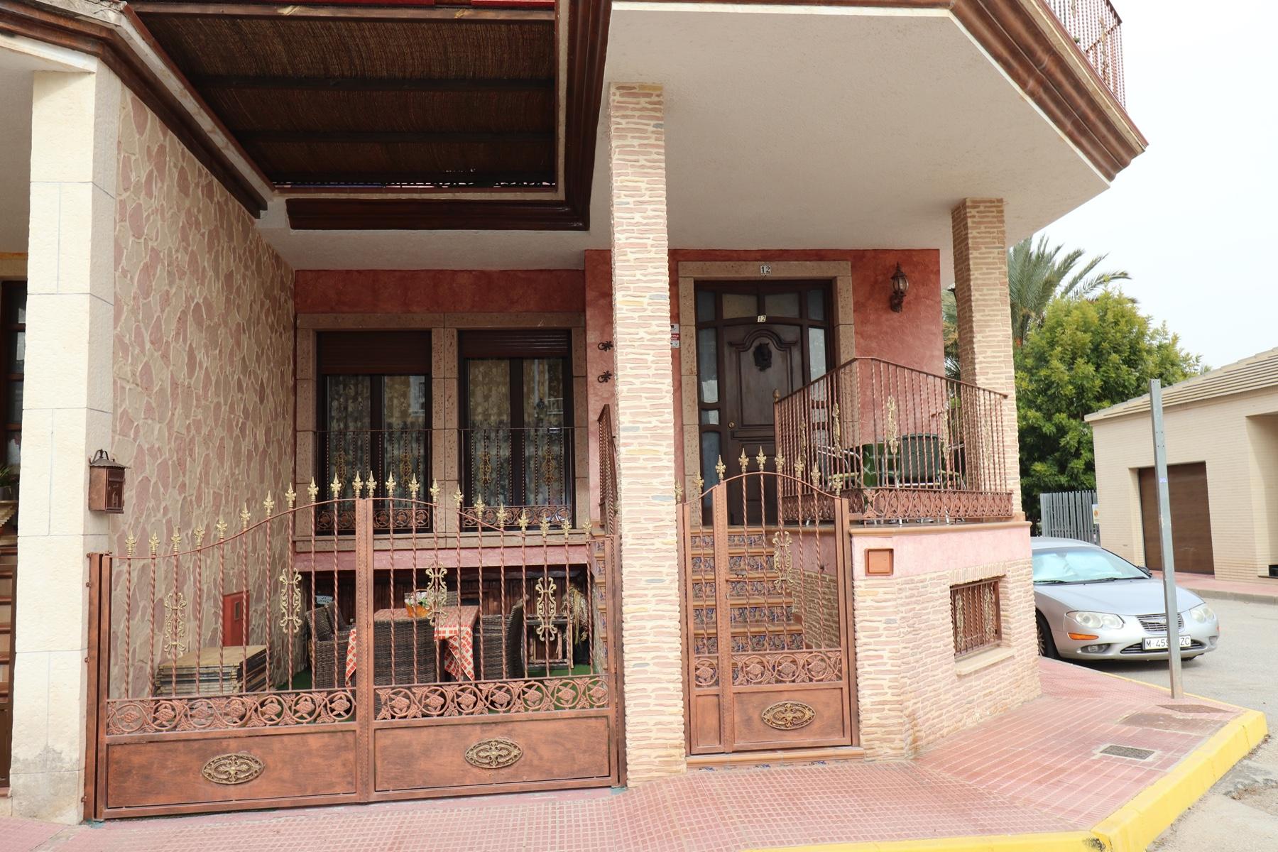 PCE-1253: Villa for sale in Daya Nueva