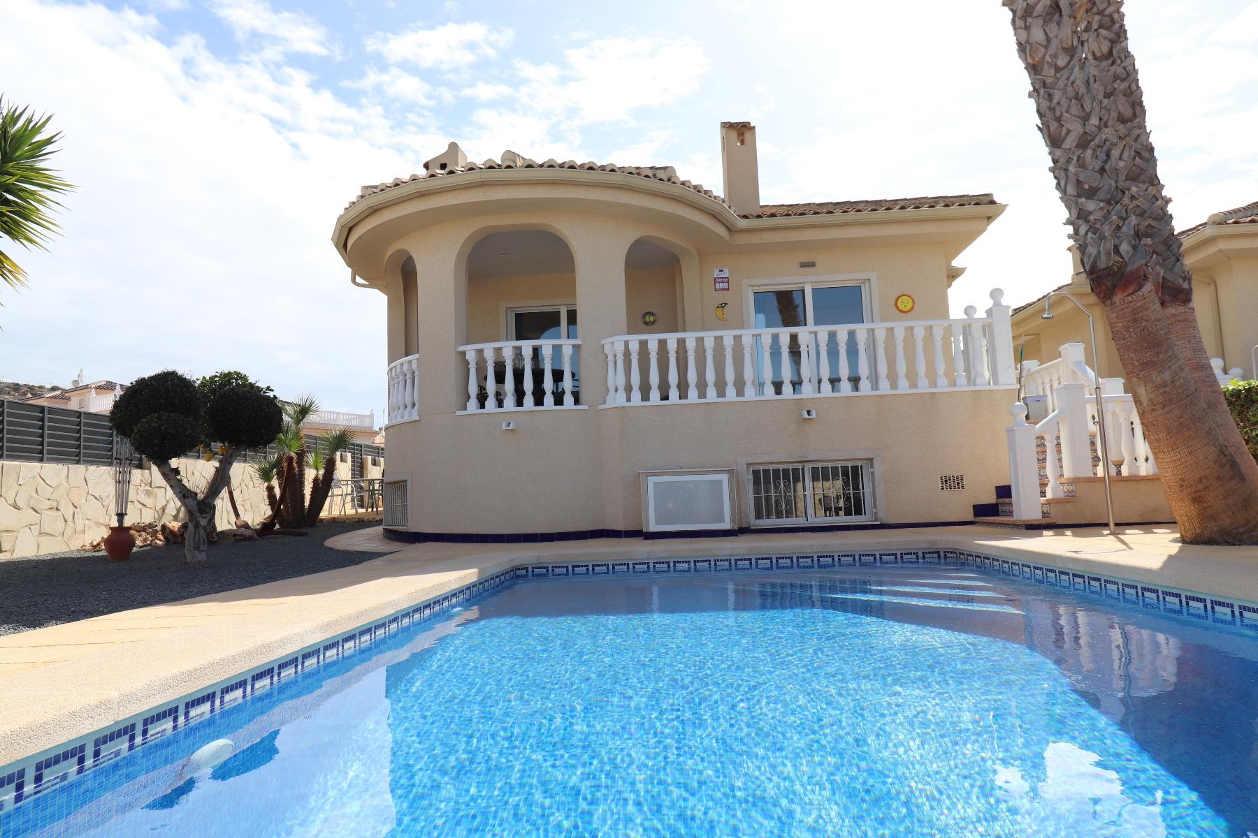 4 bedroom house / villa for sale in Benijofar, Costa Blanca