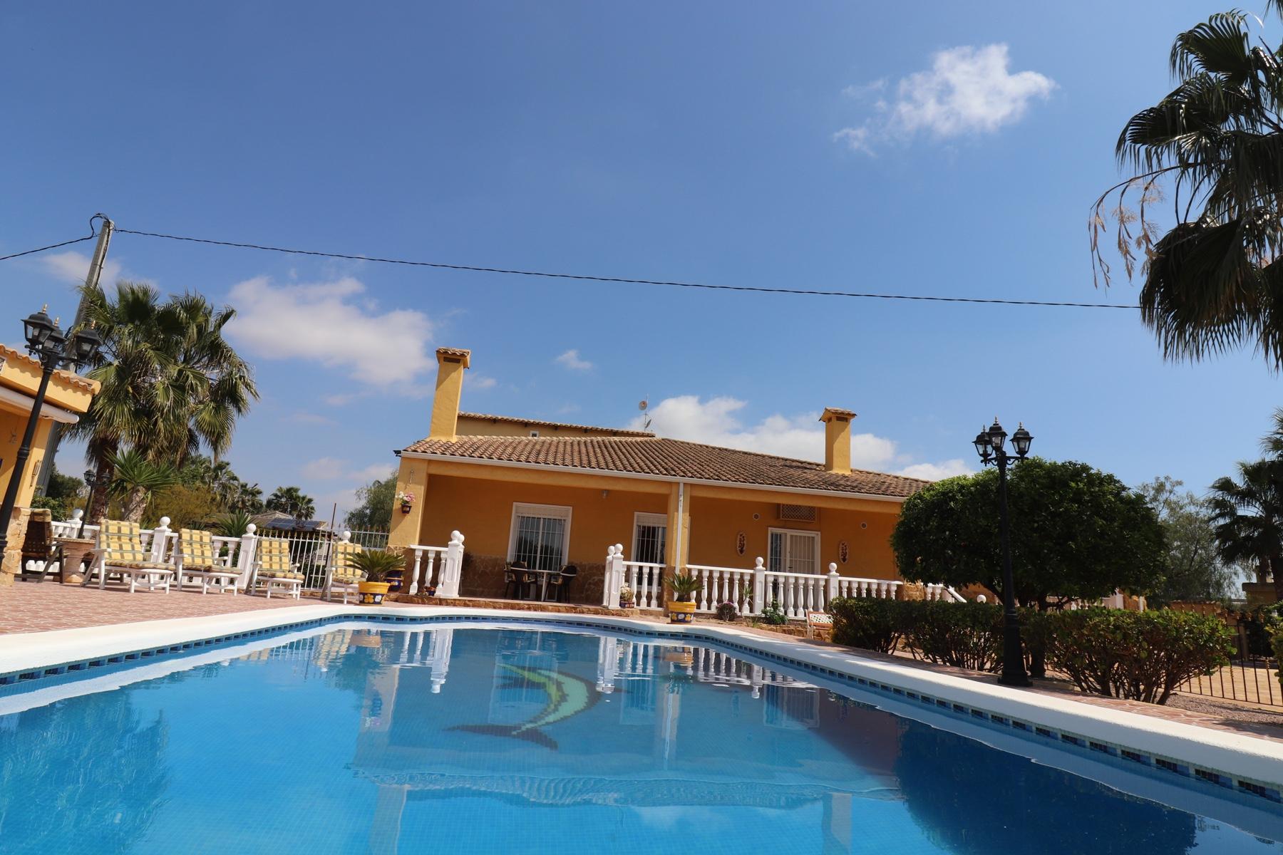 5 bedroom finca for sale in Crevillente, Costa Blanca