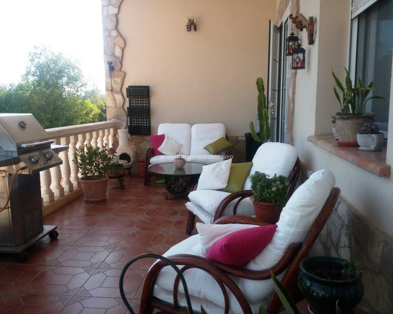 Revente - Country Property - Balones