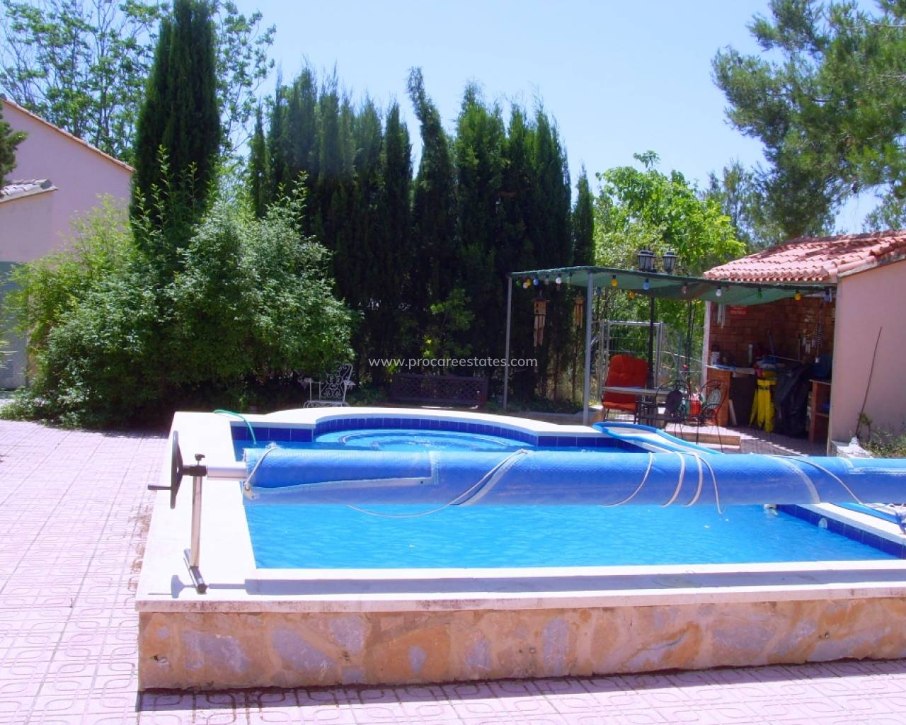 Resale - Country Property - Millena